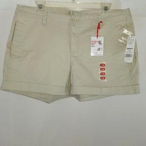 NWT Elle Women's Chino Shorts
